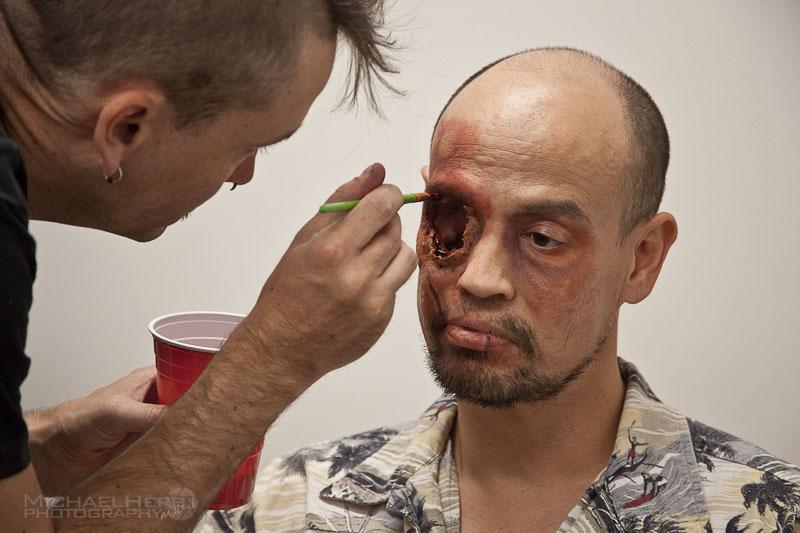 他「頭痛到快無法呼吸」醫生最後只好將他一半的臉移除,但反而讓他有了「史上最爽工作」!