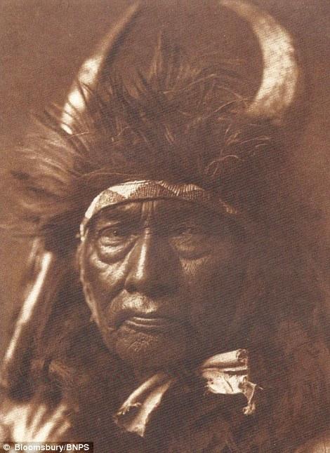 攝影師捕捉下「百年歷史的美國本土原住民」珍貴畫面,價值超過1200萬!