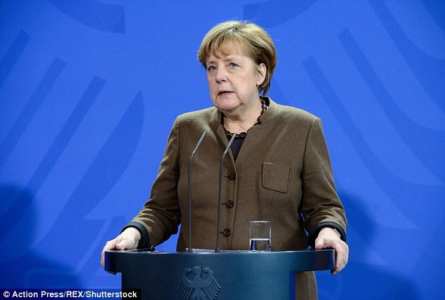 德國國防部長「捍衛女性權利」堅持不戴頭巾,網友大罵:「處死,再拿她的屍體去餵狗!」