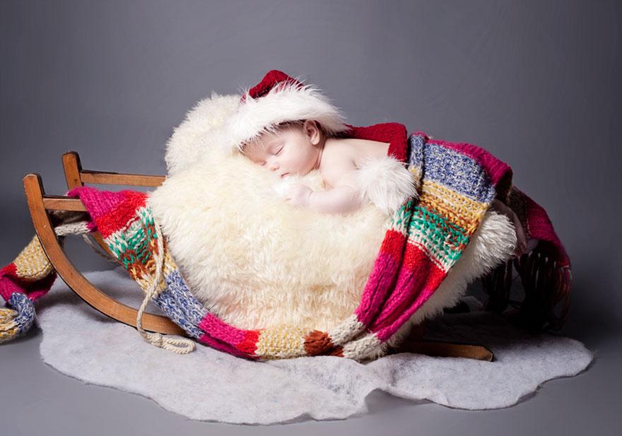 Newborn Baby Christmas Photoshoot