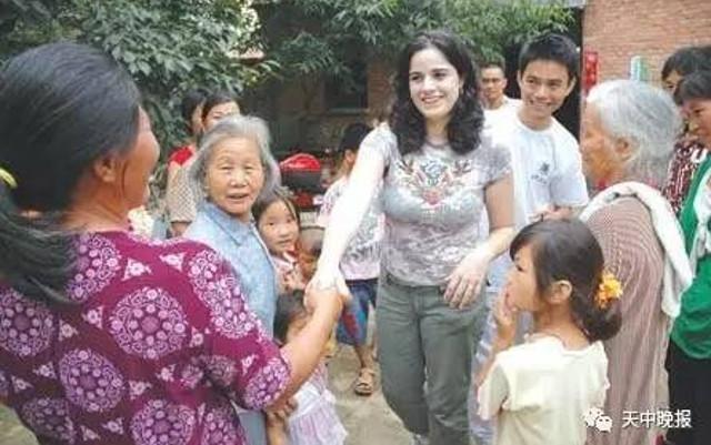 農家男子與美國教師的「現代版梁祝愛情故事」網路爆紅,網友:「外國女生比亞洲女生好!」