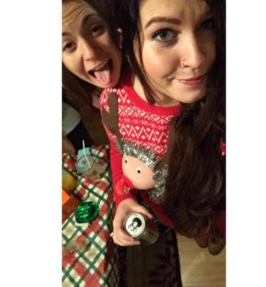 8張讓聖誕節變得更歡樂的最佳「胸部作為禮物」照片!