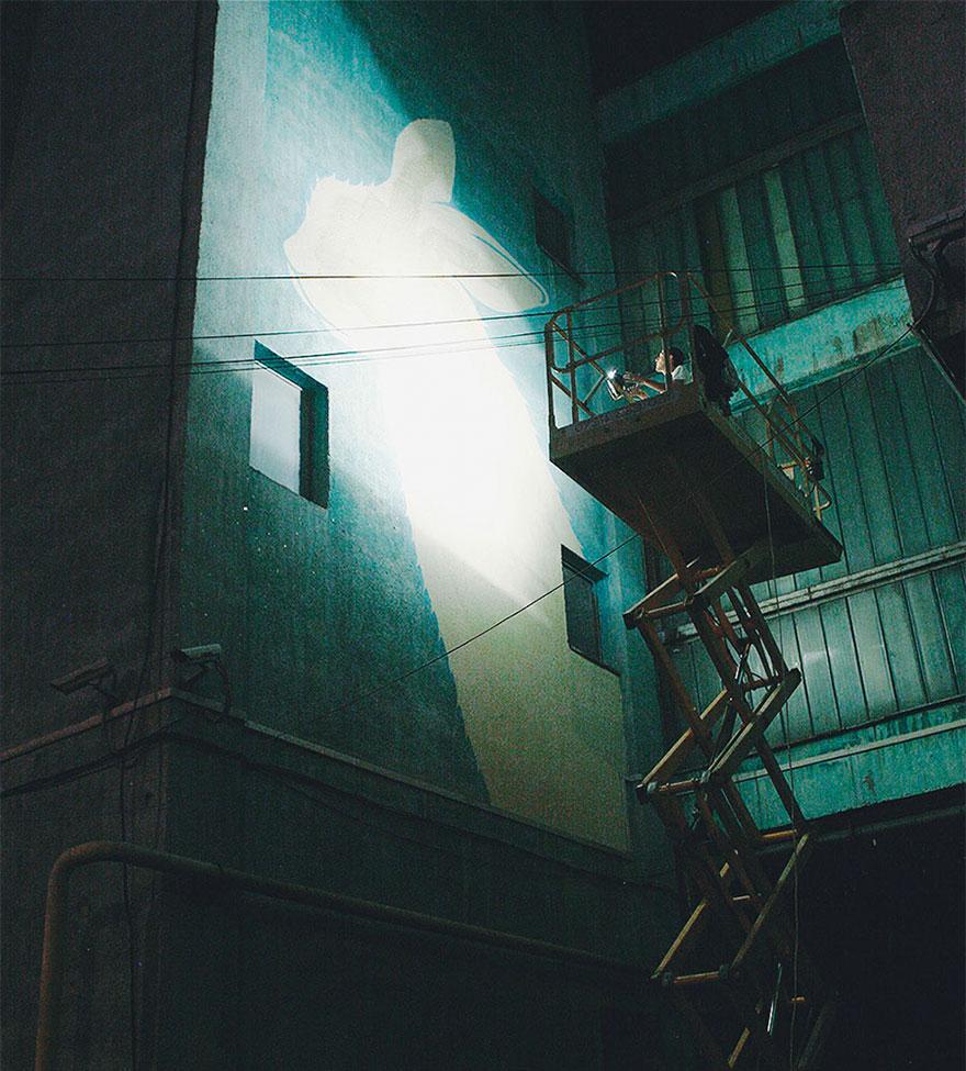 3面「白天不怎樣」但一到晚上就整個精采到爆的「螢光牆壁」,#1讓人感動!(8張)