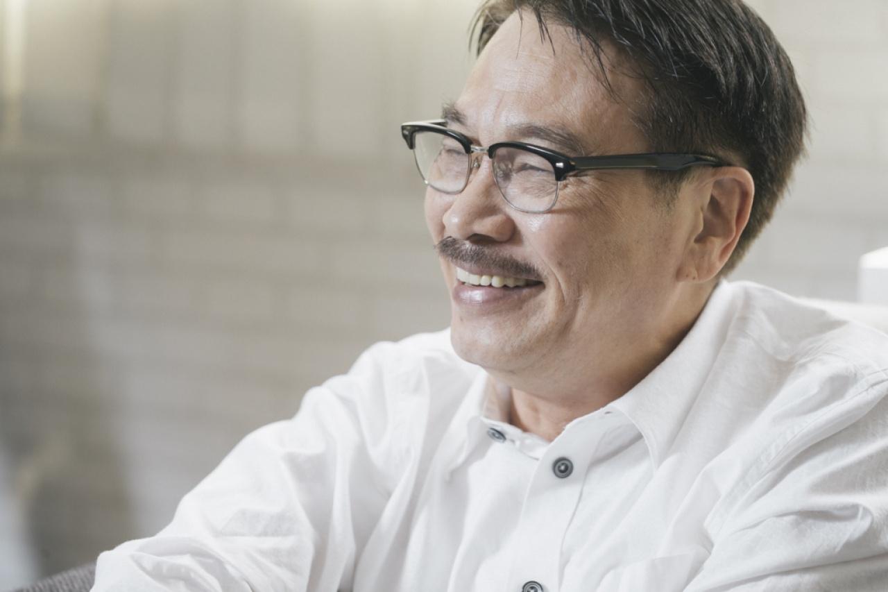 心臟衰竭「差點死掉」吳孟達到了64歲還要拼命工作,現在的他「瞞着老婆」賺錢月付90萬養3個家庭...