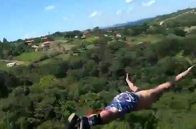 36歲爸爸帶全家玩高空彈跳開心縱身一跳,家人錄下「繩子太長直接墜地」恐怖畫面...(影片)