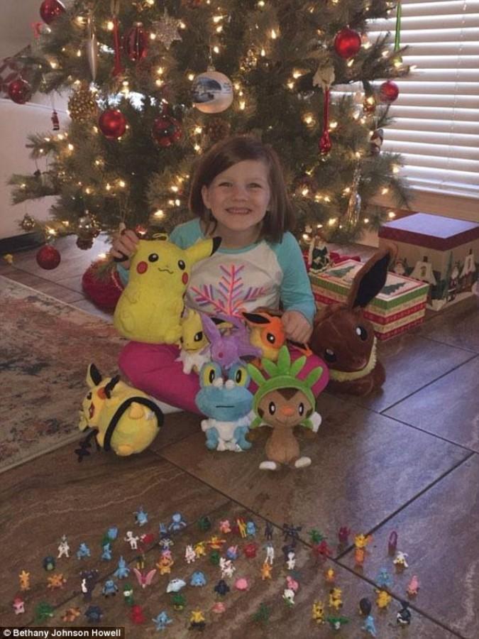 6歲女孩趁媽媽睡著用「媽媽指紋」狂買「寶可夢」玩具,父母醒來發現女兒是大盜轉世!