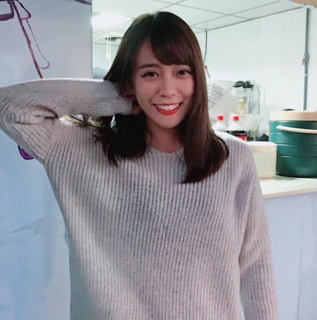 東吳的「絕對領域女神」身高171,網友感動流淚「超過100公分究級長腿!」