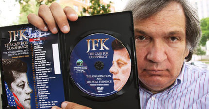 男子因為賣「這張光碟」被告82次但也贏了82次,他說:「美國無恥!」