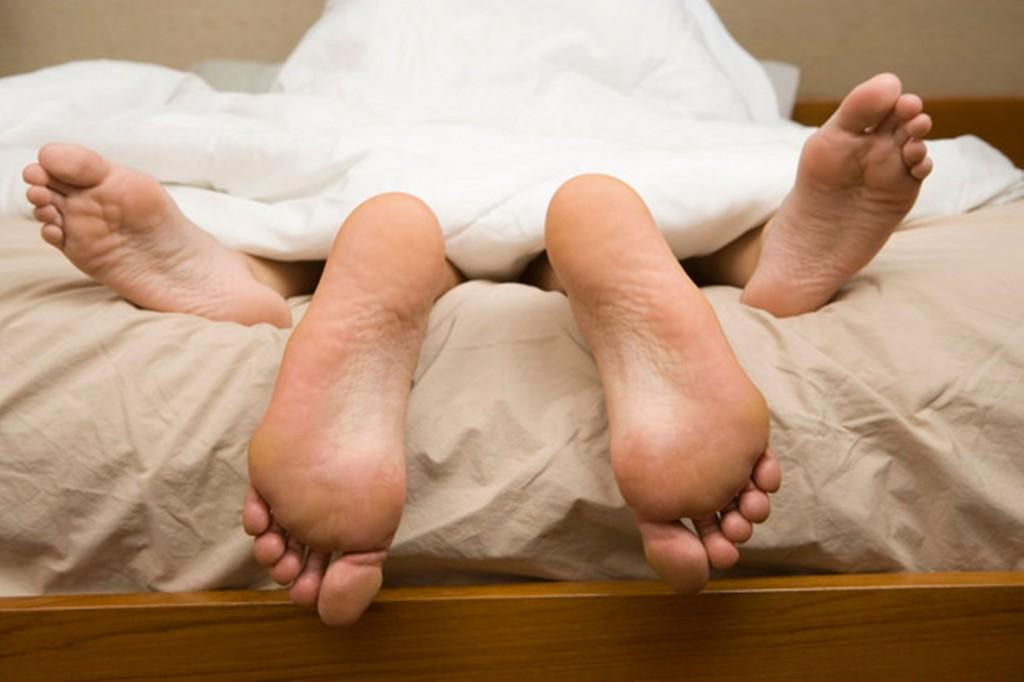 有人行房時搞不清楚「尿道和陰道」導致不孕,網友回:「因為都看有碼的...」