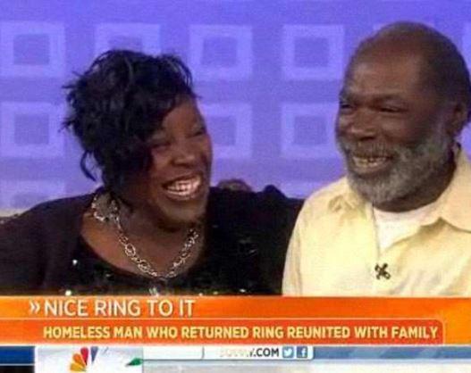 流浪漢「把12萬鑽戒歸還原主」讓女子哭崩,他最後「買下了房子」但好運完全停不下來!
