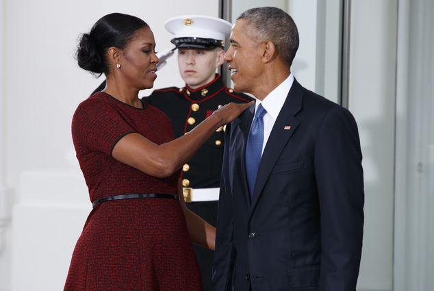 「歐巴馬夫婦VS.川普夫婦」抵達白宮,心理學家:「很失敗!」歐巴馬溫柔拯救蜜蘭妮!(影片)