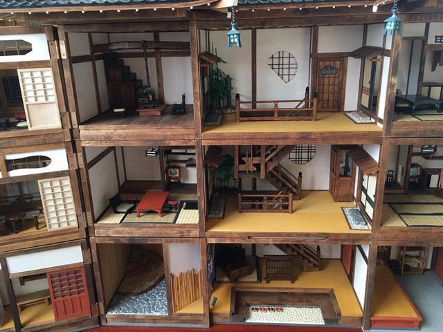 超狂爺爺不會做洋房只好純手工做「日式娃娃屋」嚇壞孫女,「打開內部超精緻」讓人讚嘆!