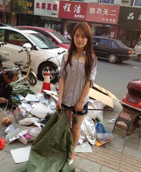中國出現千年一遇「撿破爛超級美少女」紅到日本!眼尖網友卻質疑:「是色片?」