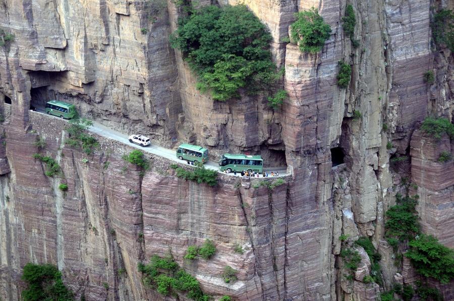 16個「一不小心就跟死神說HELLO」的世界各處最致命道路,#8根本雲霄飛車!