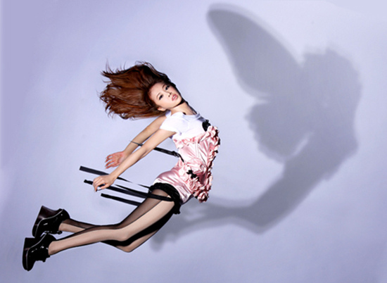 阿妹「瘦成激瘦筷子腿」正面完美100分,從側面拍「超惡魔小心機」超佩服!