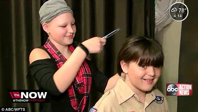 10歲小暖男「常被笑是女生」卻堅持留2年長髮,剪下給「禿頭症」最好朋友讓她不被人笑!