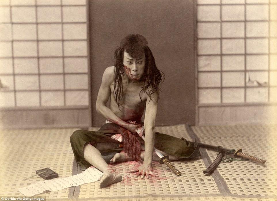9張最震撼「日本武士道」150年前歷史照片!#1切腹後砍頭恐怖!