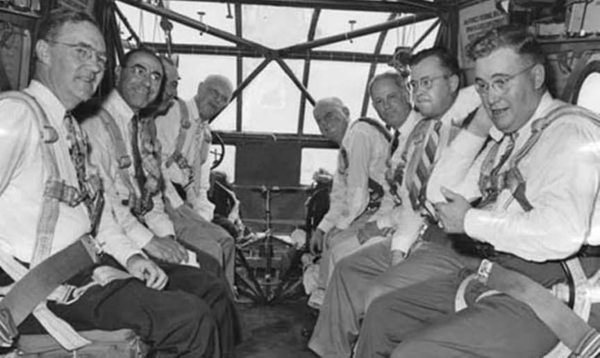 15張「被召去天堂前一秒」的珍貴歷史照 降落傘打不開的震撼瞬間!