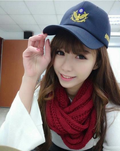 女警太正不可能是警察,網友:「只能是空姐」。比基尼照讓人鼻血狂噴!