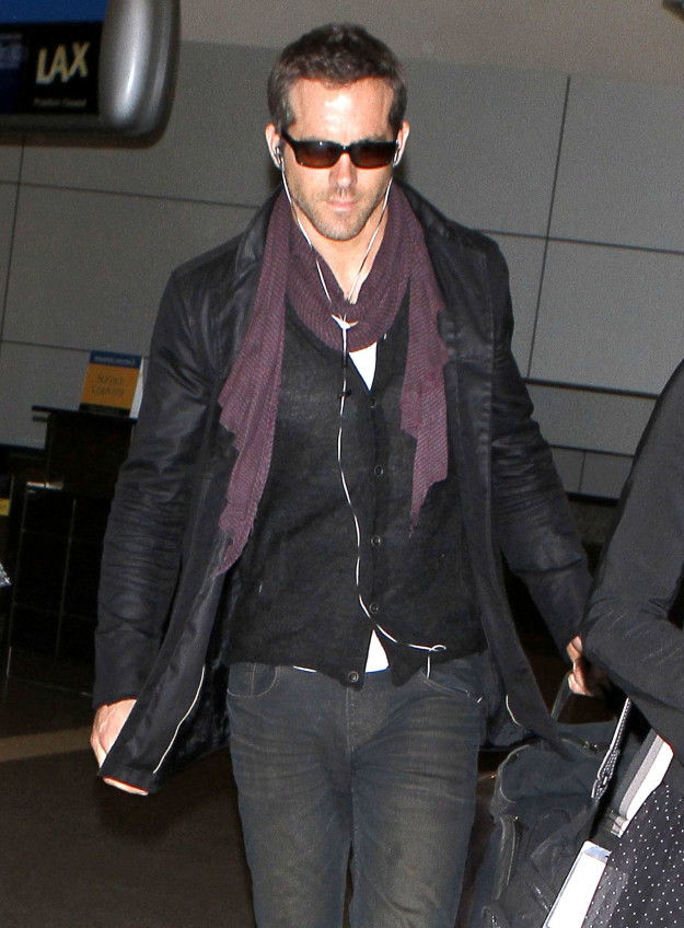Ryan Reynolds leaving the airport: