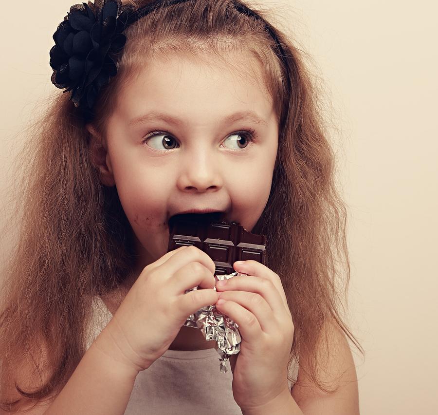 還在喝止咳糖漿治感冒?醫學界最新研究「巧克力」才是你咳嗽的最佳解!