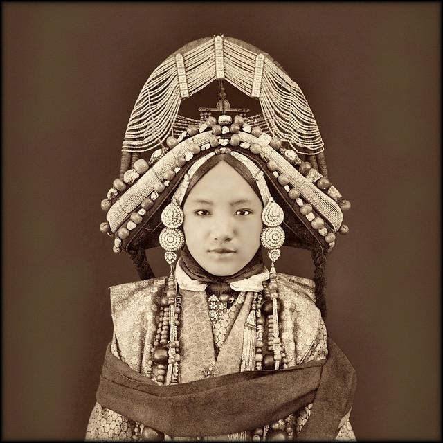 30張揭露上世紀「中國真實面貌」的珍貴歷史照 巨人「正面照曝光」超驚嚇!