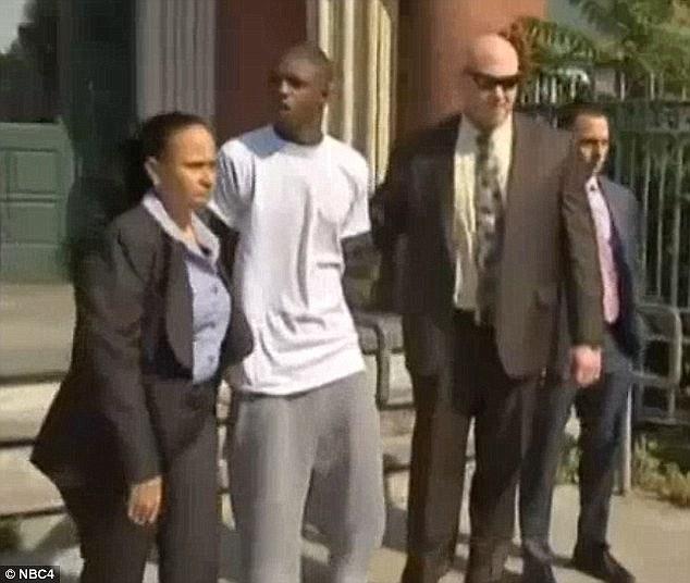 20歲少年「強暴並試圖殺死82歲老奶奶」,法官重判115年「因為毫無憐憫」!