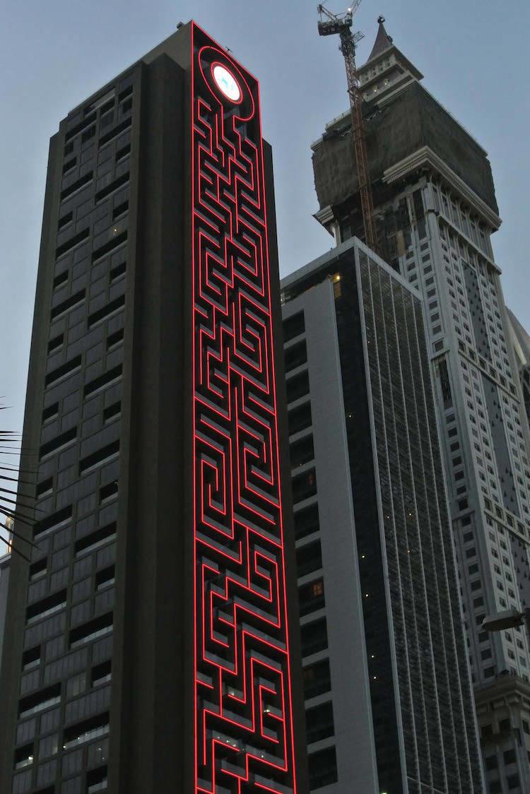 杜拜超狂「迷宮塔」列金氏世界紀錄最高迷宮,更酷的是迷宮超棒用途!