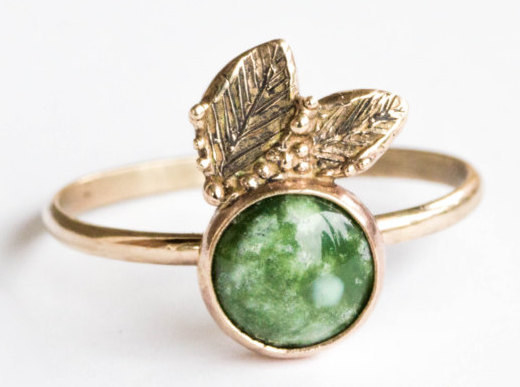 A nature-inspired green turquoise ring that will never leaf you hanging.