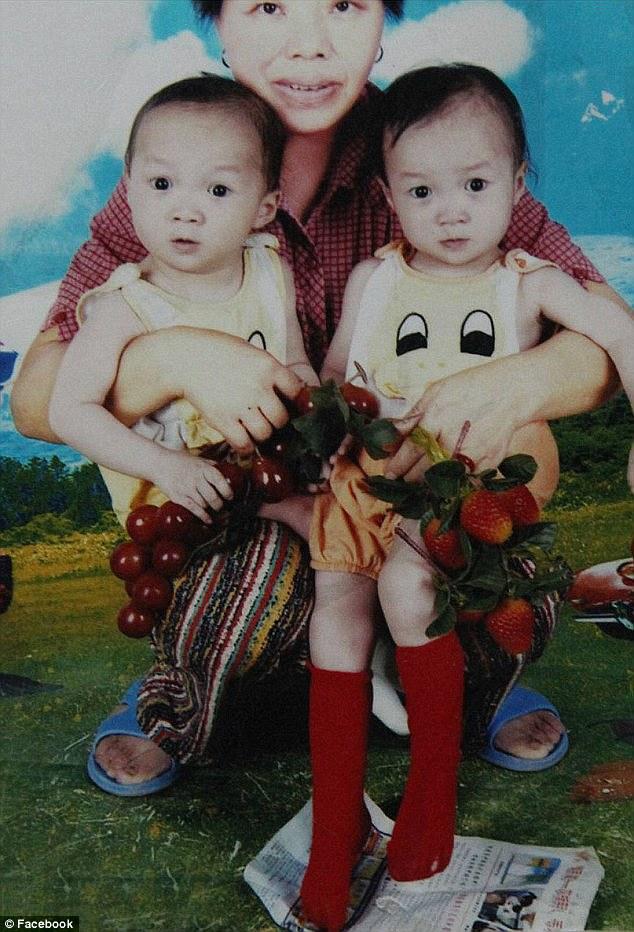 10歲雙胞胎嬰兒時被分開「好像少了誰」不知對方存在,重逢時發現壞習慣一樣感動全場!