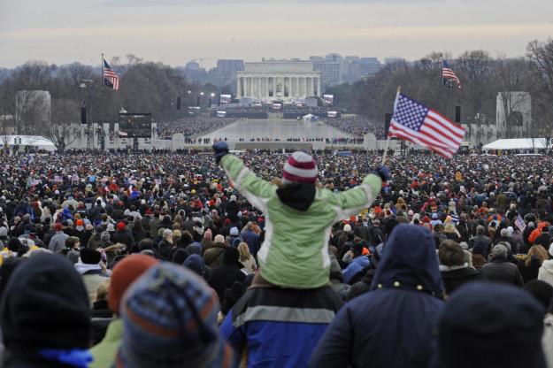 比對歐巴馬VS.川普就職音樂會「超淒慘」,川普:「人數成千上萬,不知道有沒有發生過。」