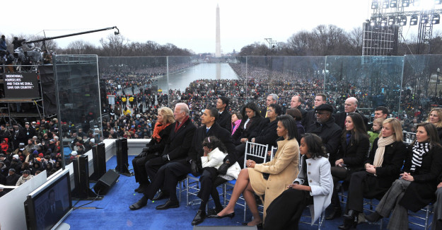 At the time, the Washington Post estimated 400,000 people attended.
