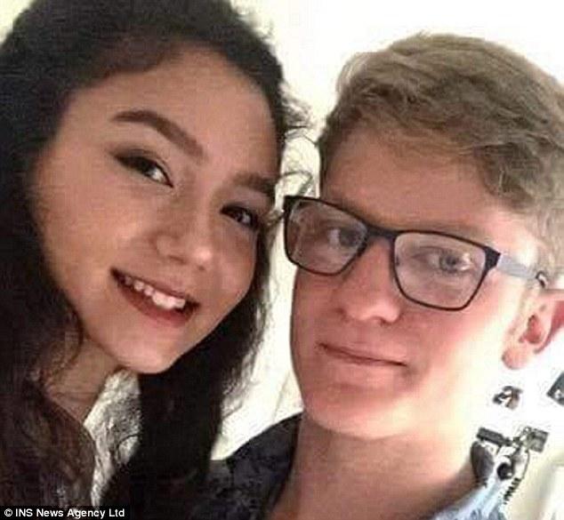 18歲男生為了與女友旅行每週工作50小時拼命存錢,被媽媽要求「每月付租金」後立刻上吊。(非趣味)