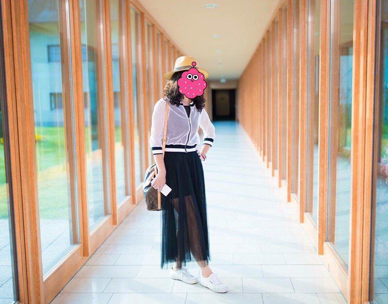 「凍齡網美媽」超浮誇穿搭現身畢典搶鋒頭,同學搶問:「有IG嗎?想追蹤!」(13張)