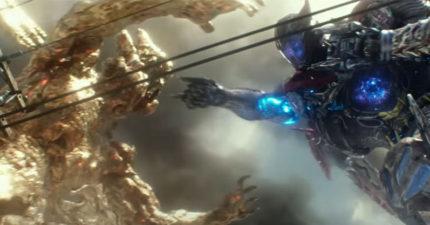電影《金剛戰士》新預告,升級後的合體機器人亮相比《環太平洋》還震撼!