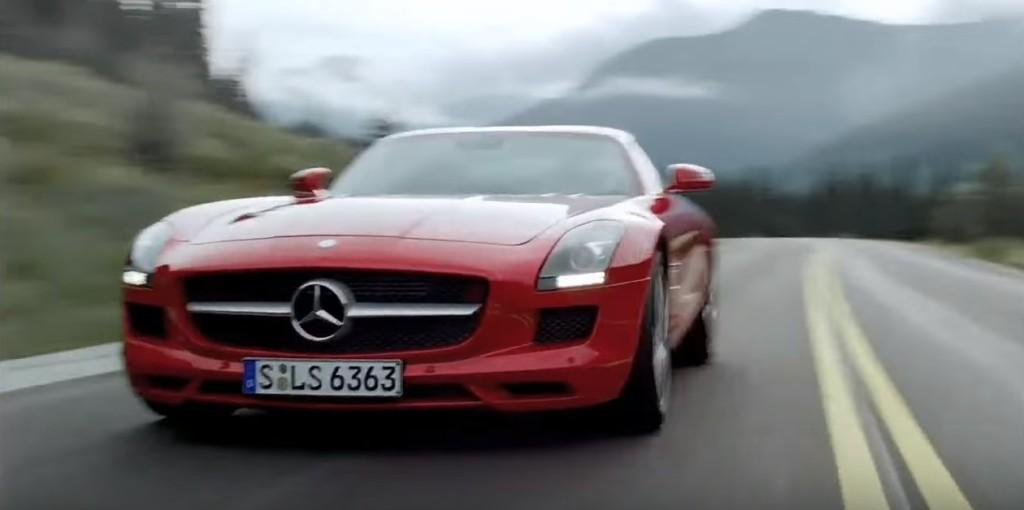 車神駕駛賓士頂級超跑「隧道中貼壁360旋轉」,瘋狂到所有人都以為是假的!