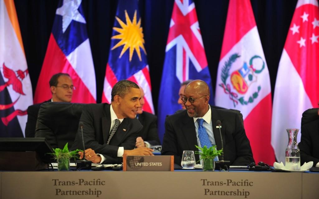 川普大刀闊斧下令「退出TPP」跨太平洋夥伴協定,「強暴美國」中國變最大贏家!