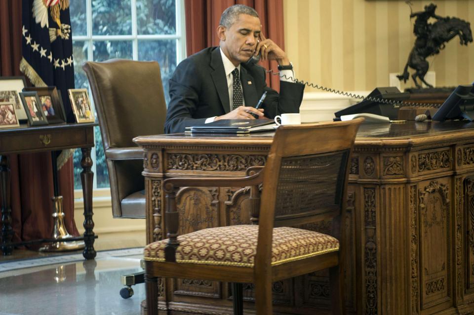 川普就職當天下午,記者發現白宮的佈置已經變成「土豪金」!
