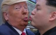 川普與金正恩出現在香港街頭「玩親親」和好,政治斷背山超狂!(影片)