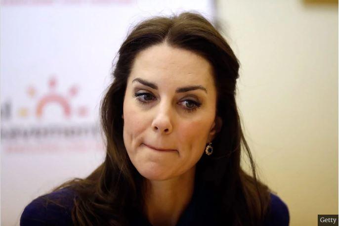 英國王子夫人「露奶日光浴」被狗仔偷拍,川普「檢討受害者」超狂言論惹火英國皇室!