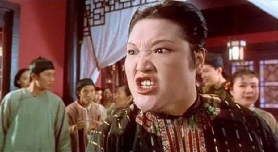 《九品芝麻官》烈火奶奶驚傳過世!「飯店太髒」送醫急救失敗,享年63歲。