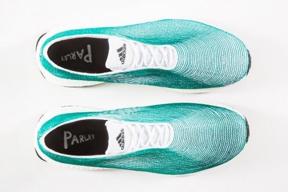 愛迪達「搶救海洋」運動鞋去年一推出就秒殺,今年要「量產100萬雙」讓千萬個寶特瓶消失!