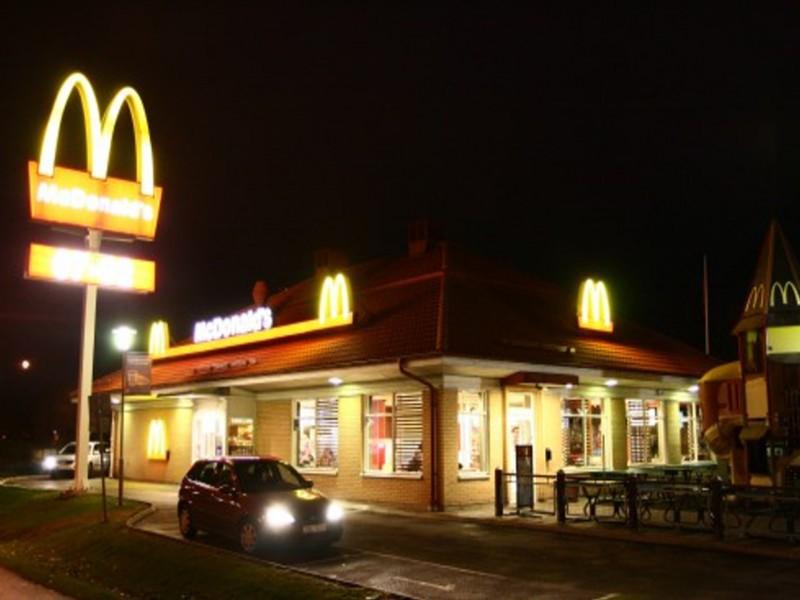 麥當勞極速「便便」發現沒衛生紙,最絕「求救」讓網友笑:「有叫歡樂送?」