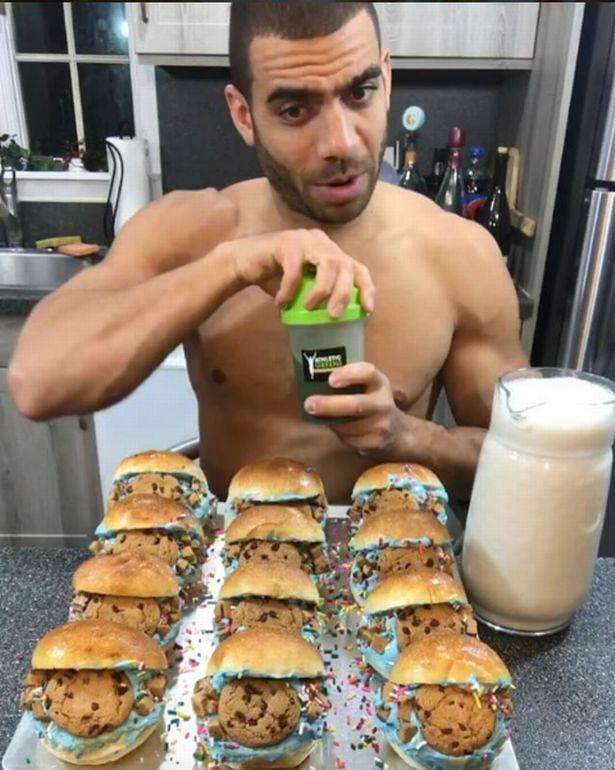帥猛男分享最健康吃法「凌晨2點吃超多」馬上睡!推翻現有思維但缺點「會飽到無法愛愛」。