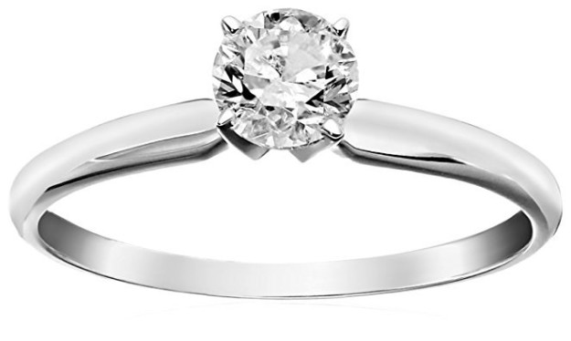 A classic piece perfect for a love that'll never go out of style.