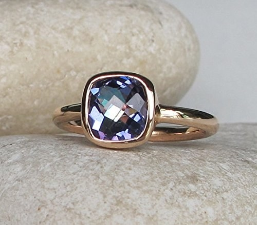 A topaz ring perfect for the most unconventional of romances.