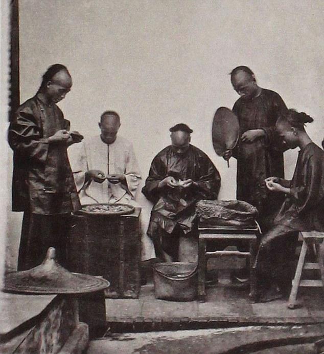 攝影師拍下「第一批中國照片」讓西方看見東方,「小說中的世界」都是騙人的!