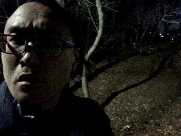 他勇闖「曾發現100具冤魂」的靈異公園 一登上「半夜飄出男人悲泣」風立刻停了...