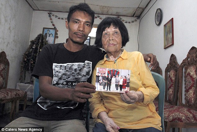 The pair began speaking on the phone, and Dandel, a 28-year-old garage mechanic in Indonesia, fell in love with the voice of Potu so much that he decided to meet her in person