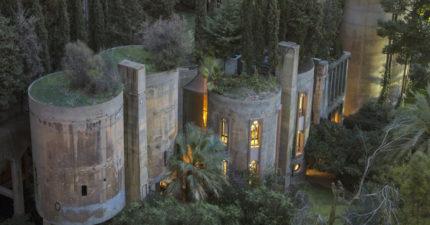 建築師買了沒人敢碰的「40年老舊水泥廠」,改造後內部「時空錯亂」建築界的奇蹟!